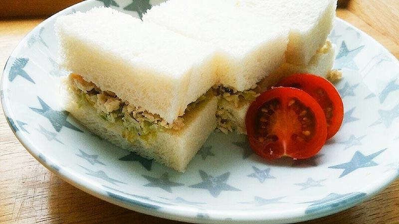 犬猫レシピ「チキンサンドウィッチ」
