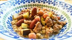 犬猫のドライフード、ハッピーラブを使ったレシピ「豆と鹿肉の煮込み」