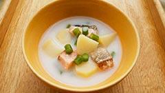 ヤギミルクを使ったレシピ「鮭とジャガイモのシチュー」