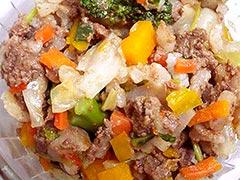 馬肉を使った犬猫の手作りご飯におすすめレシピ「馬肉ミンチと季節野菜たっぷりのピラフ」