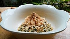 犬猫のレトルト肉・乾燥肉を使ったレシピ「健康一番の鶏御膳のせ」