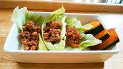 犬猫の馬肉を使ったレシピ「納豆とミンチのレタス包み」